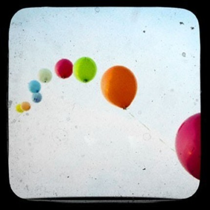 Lineofballoons
